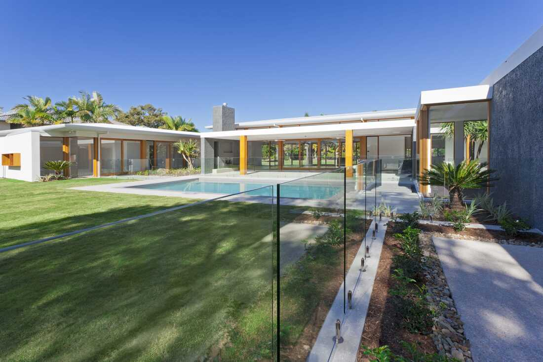 frameless Glass pool fence eastern suburbs